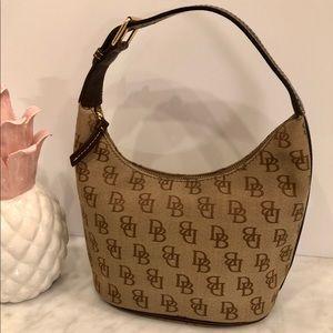 Dooney & Bourke Hobo Bucket Bag NWOT Perfect. 😎💕